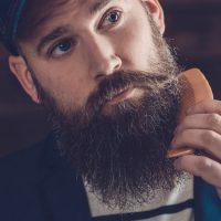 guide pour bien choisir la meilleure peigne à barbe