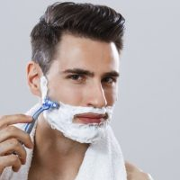 5 astuces pour se raser parfaitement la barbe