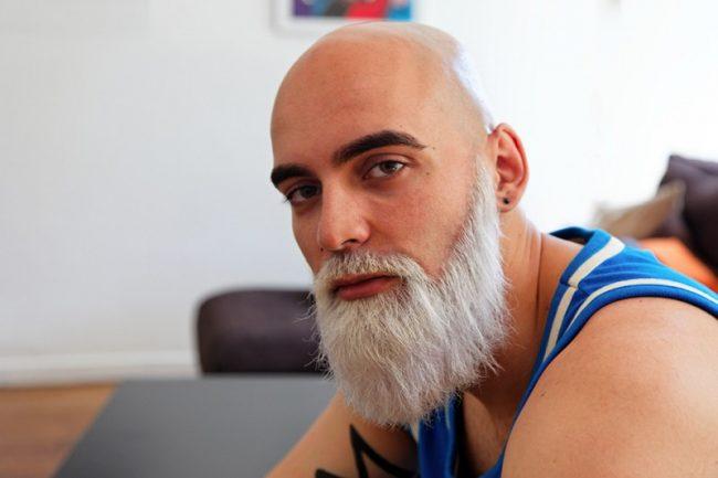 noircir sa barbe