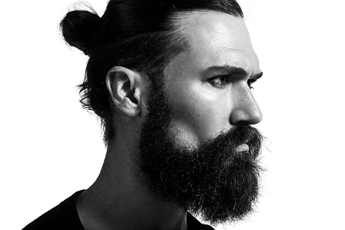 coiffures parfaites pour les hommes aux cheveux mi-longs