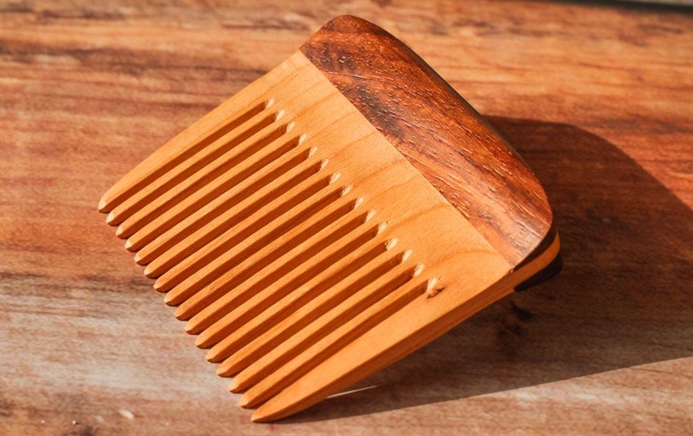 quel matériau opter pour choisir un peigne à barbe