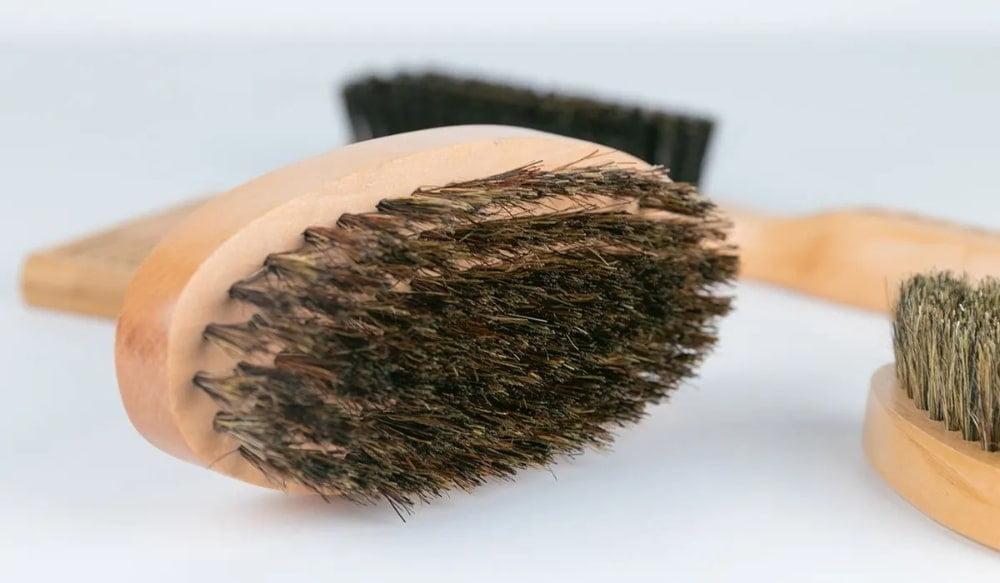 Peigne ou brosse à barbe